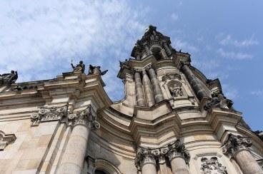 Fig_07_Hofkirche_upward)Dresden_01_010709_3446_1500